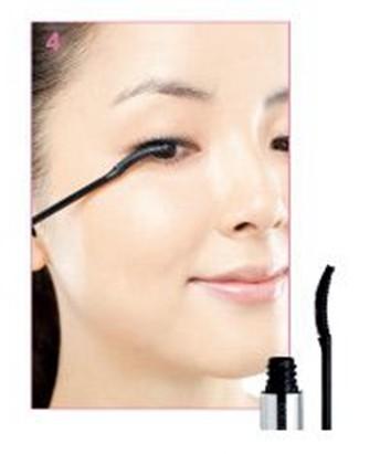 化妆学校的细致眼妆带来精美妆容,人人都爱娇嫩减龄妆图片