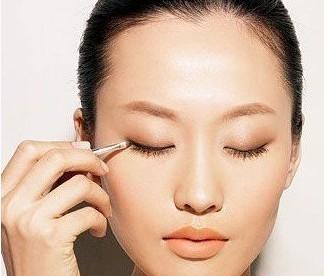 单眼皮化妆步骤四步完成裸妆4