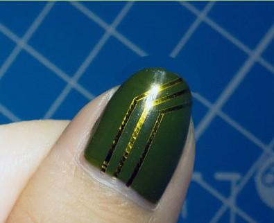 超酷感电路板指甲你见过吗——毛戈平形象设计艺术