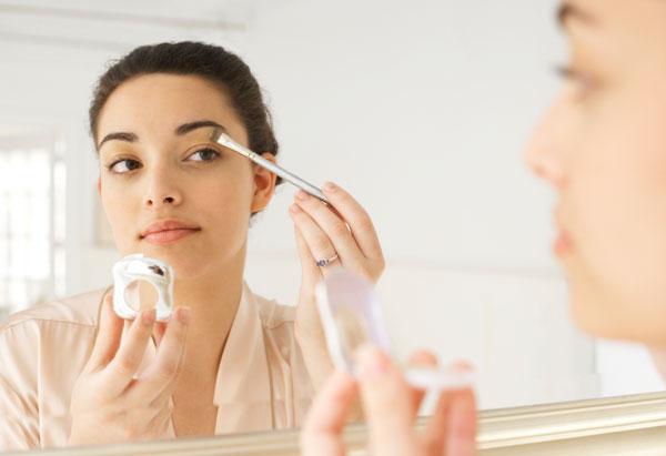 简单快速的白领职业妆化妆技巧