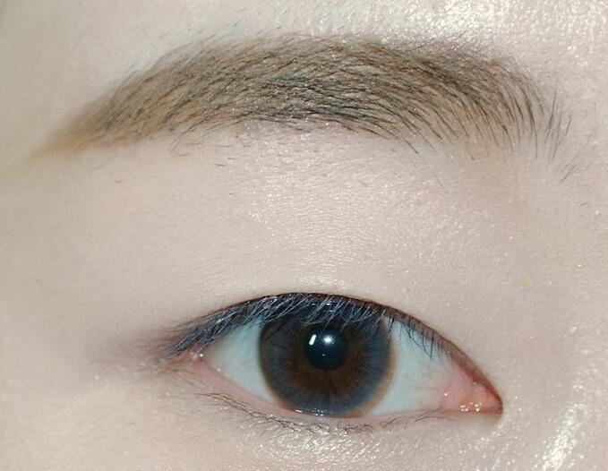 时髦可爱范单眼皮妆容,韩国女星都爱它