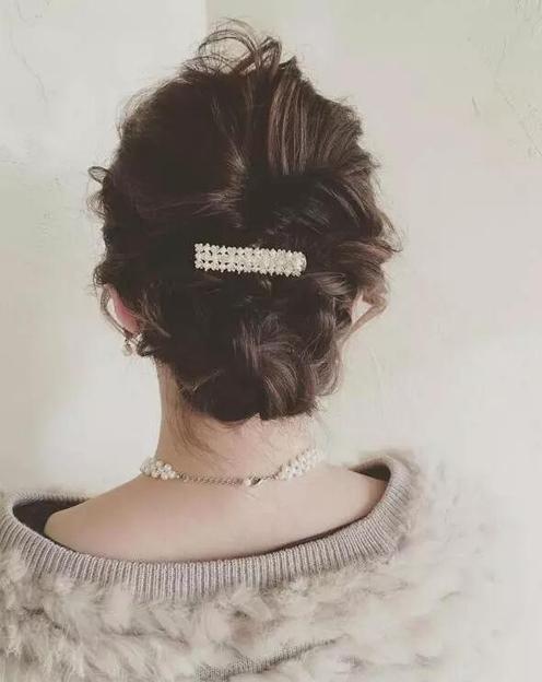 超显女人味的日式盘发,值得一学图片