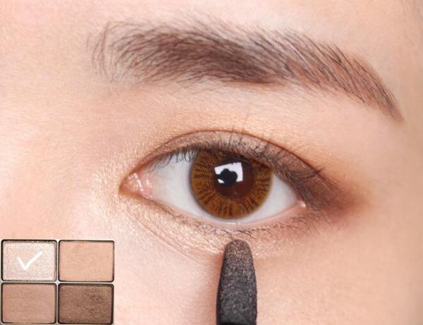 不可缺少的显气质大地色眼妆,完美双眸就从这款眼妆开始吧!