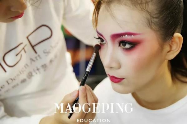 2019年化妆学校排行_步美化妆