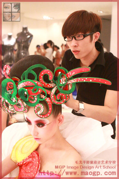 北京毛戈平形象设计艺术学校助阵宋庄文化艺术节