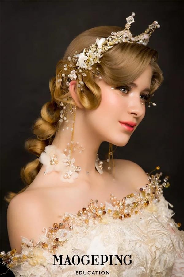 学新娘妆贵吗?大概需要多少钱?